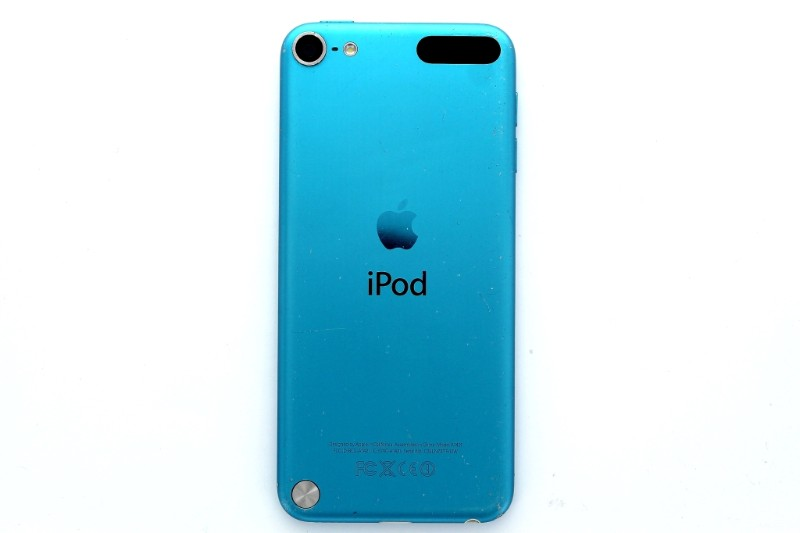 Apple iPod Touch 5th Generation (A1421) - 32GB/Blue (MD717LL/A)